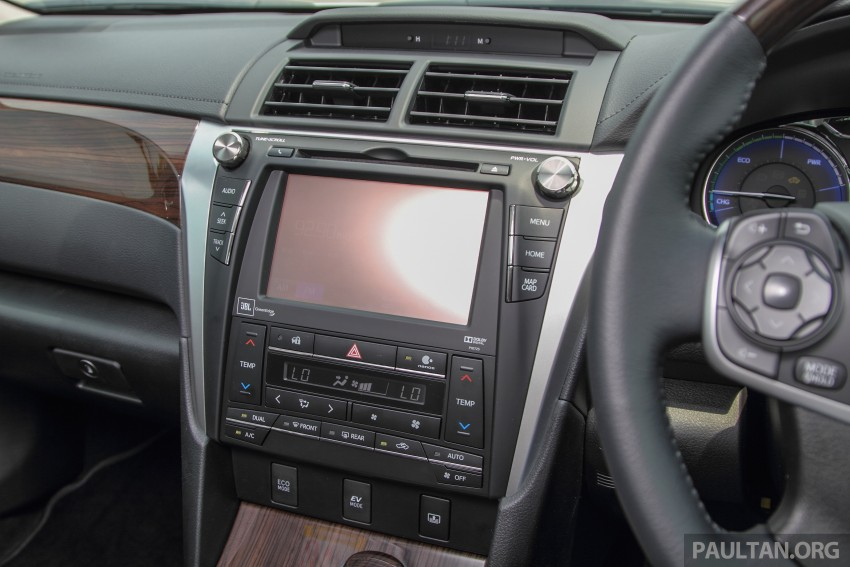 GALLERY: 2015 Toyota Camry – 2.0G or 2.5 Hybrid? Image #337900