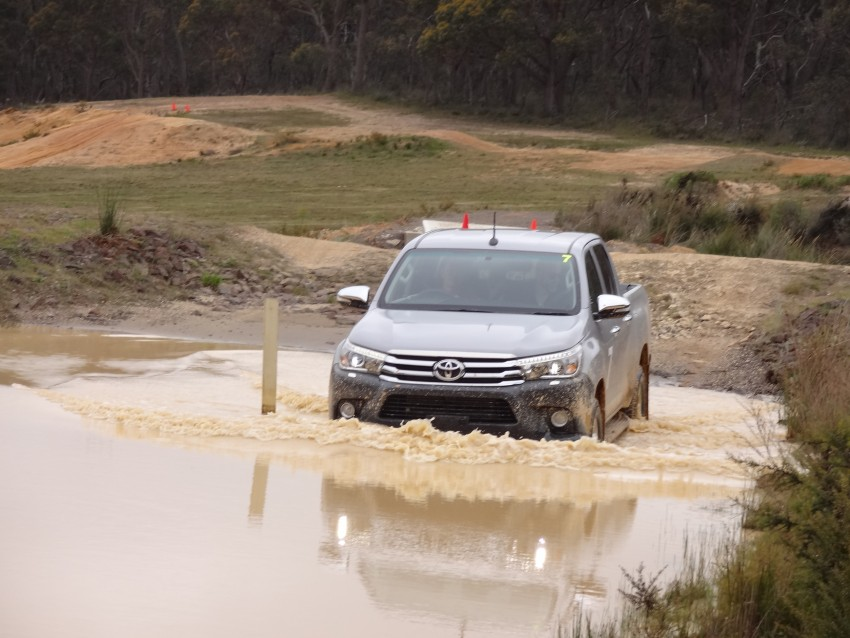 2016 Toyota Hilux – eighth-gen officially unveiled Image #341635