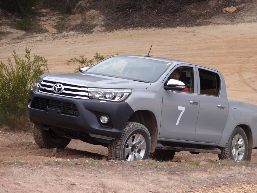 2016 Toyota Hilux – eighth-gen officially unveiled Image #341639