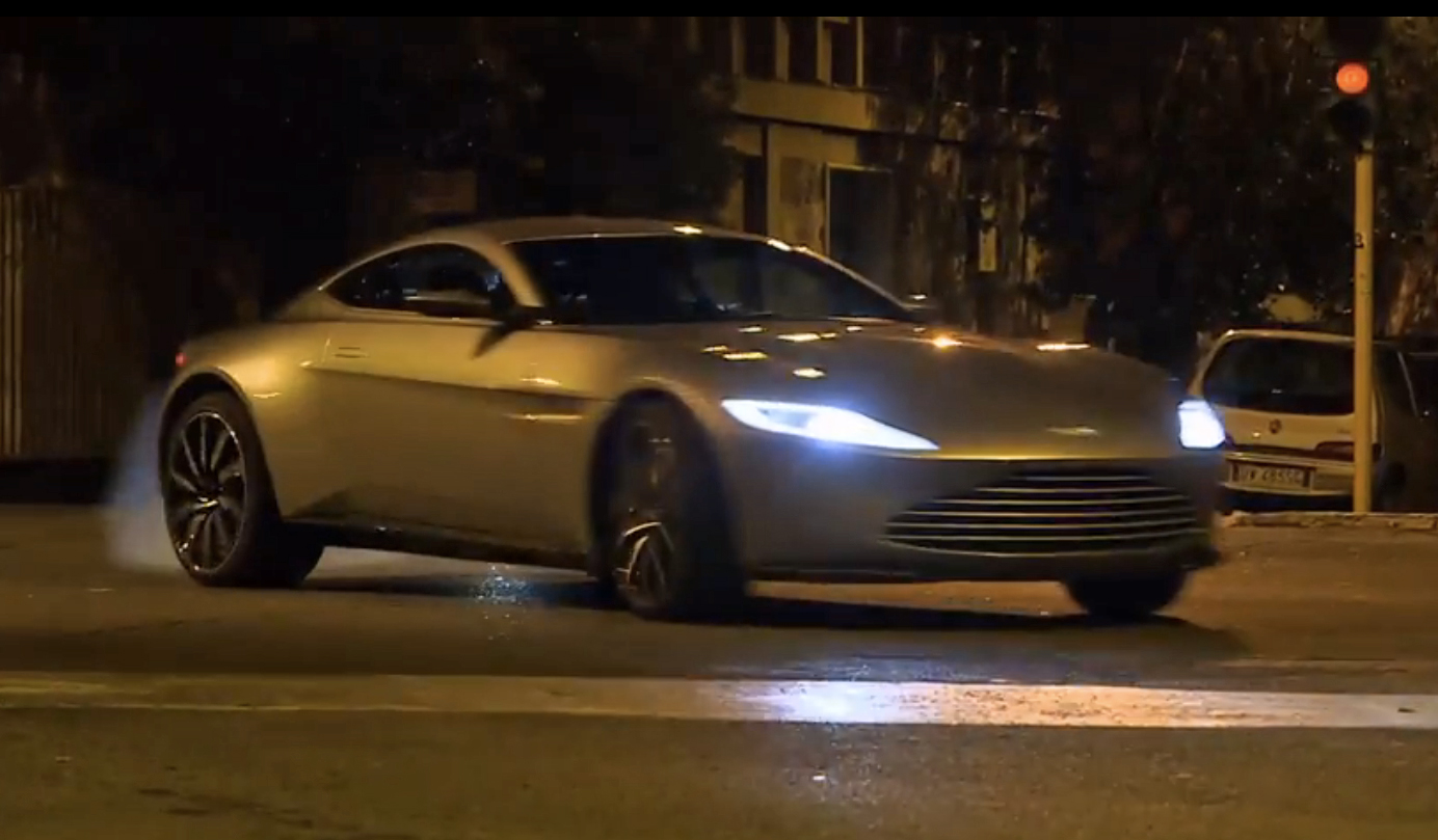 video aston db10 chased by jag c x75 in spectre. Black Bedroom Furniture Sets. Home Design Ideas