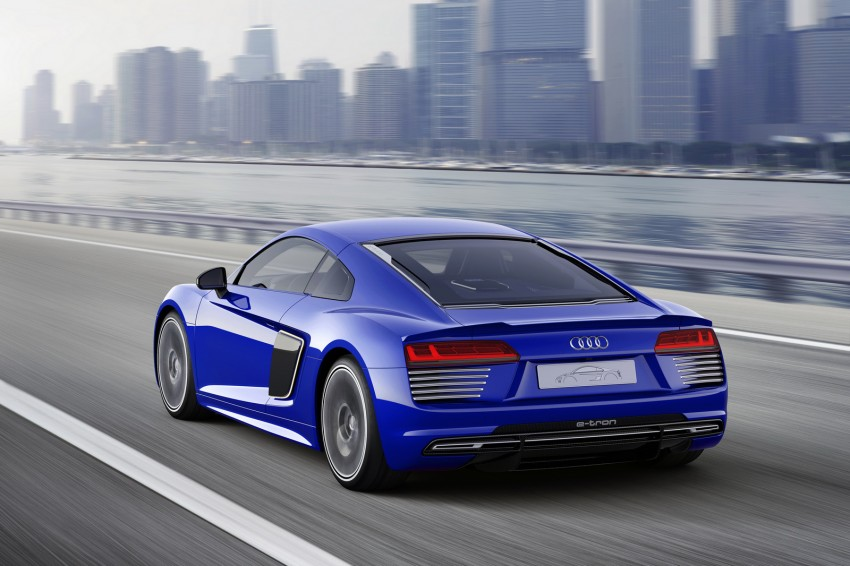 Audi R8 e-tron piloted driving concept unveiled at CES Image #343716