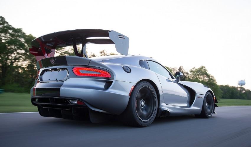 2016 Dodge Viper ACR – fastest street-legal Viper ever Image #337590