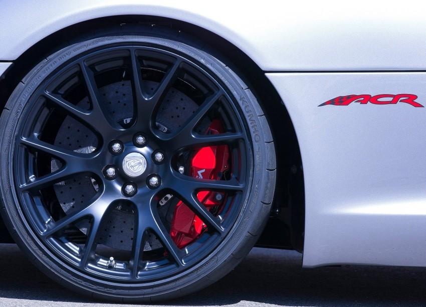 2016 Dodge Viper ACR – fastest street-legal Viper ever Image #337596