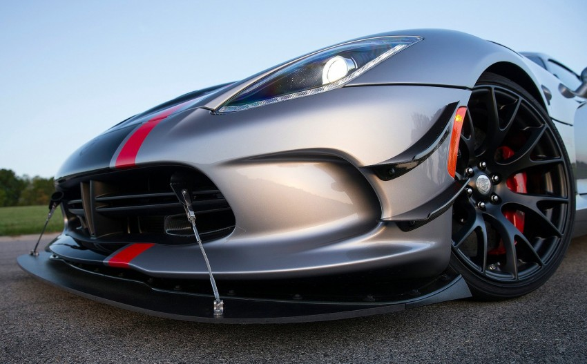 2016 Dodge Viper ACR – fastest street-legal Viper ever Image #337609