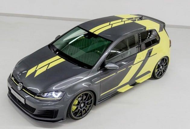 VW Golf GTI Dark Shine-23