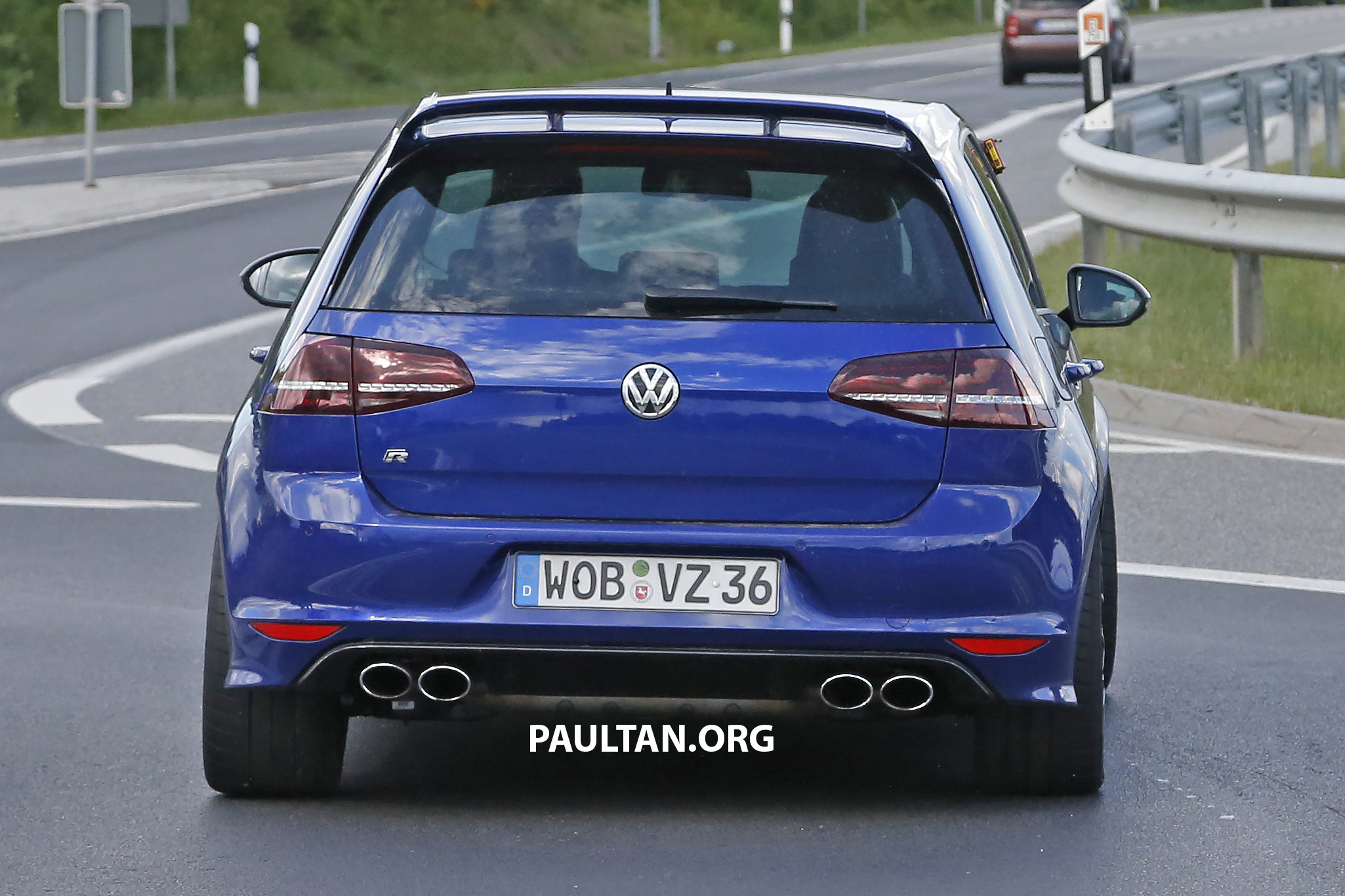 spied volkswagen golf r 400 caught at the ring image 341136. Black Bedroom Furniture Sets. Home Design Ideas
