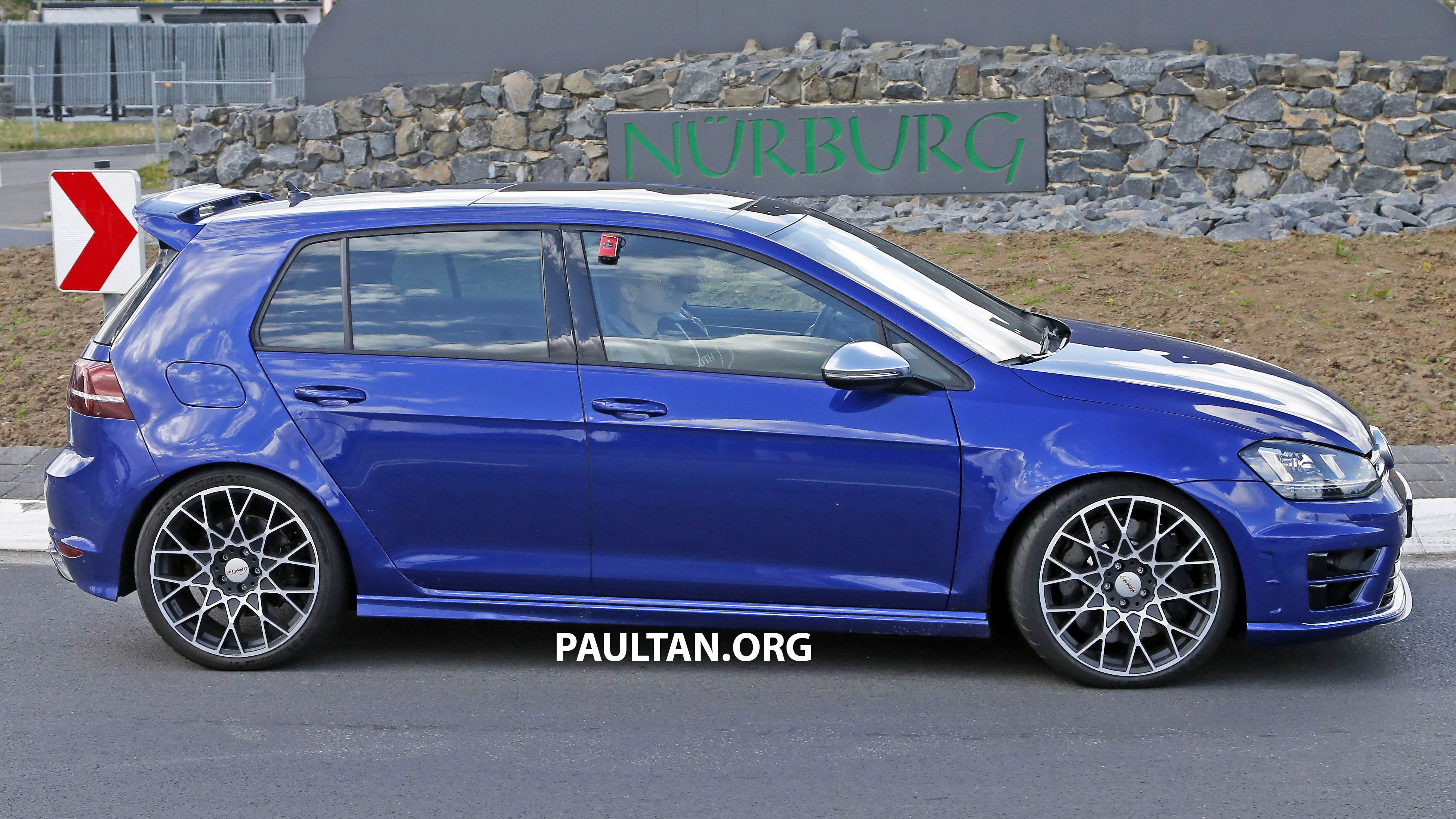 SPIED: Volkswagen Golf R 400 caught at the 'Ring Paul Tan ...