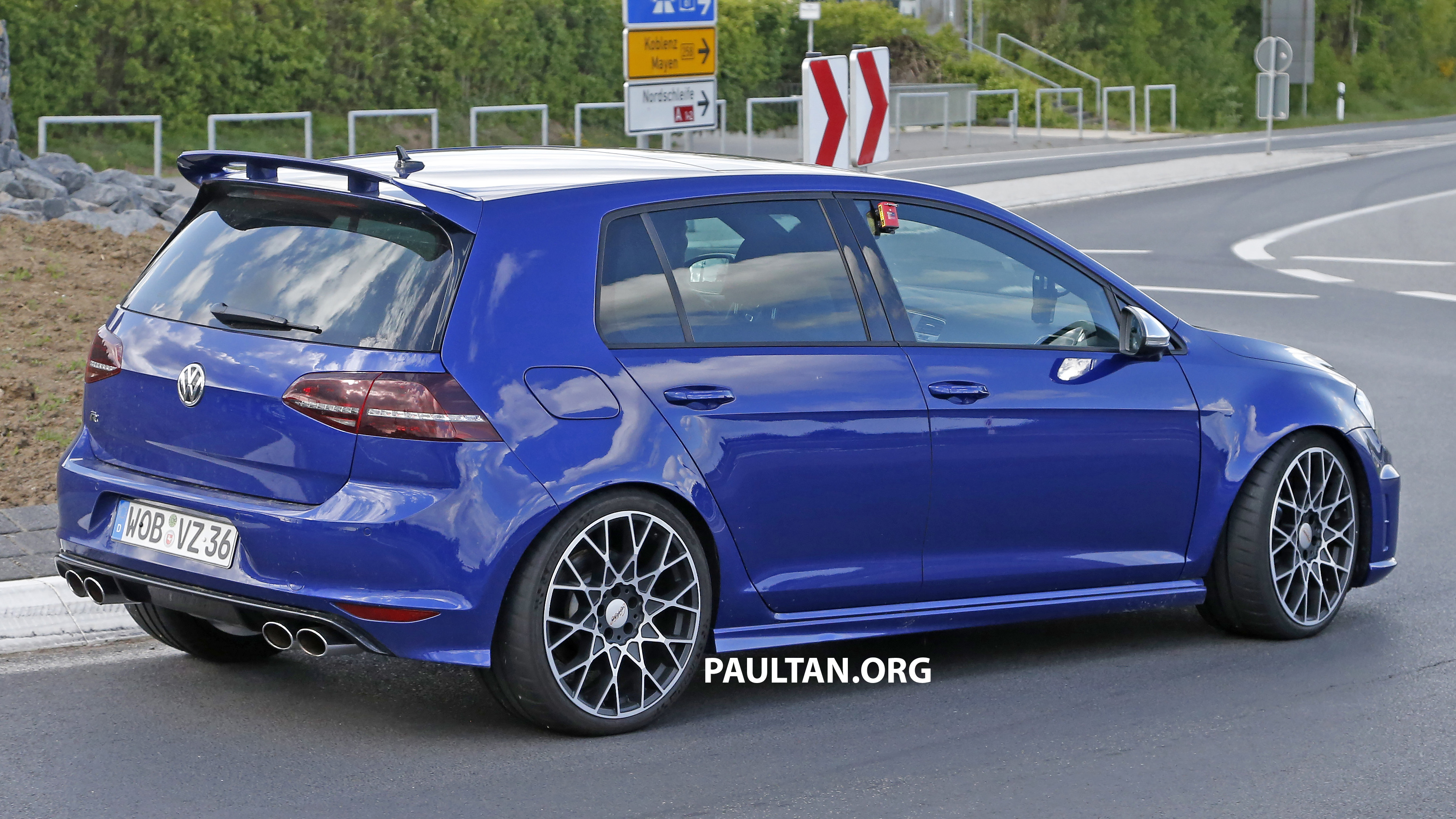 Golf R 400 >> SPIED: Volkswagen Golf R 400 caught at the 'Ring Paul Tan - Image 341133