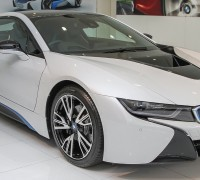 bmw-i8-showroom 2