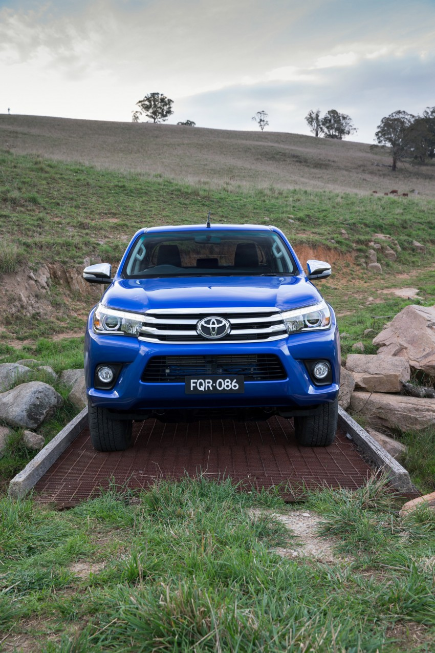 2016 Toyota Hilux – eighth-gen officially unveiled Image #341617