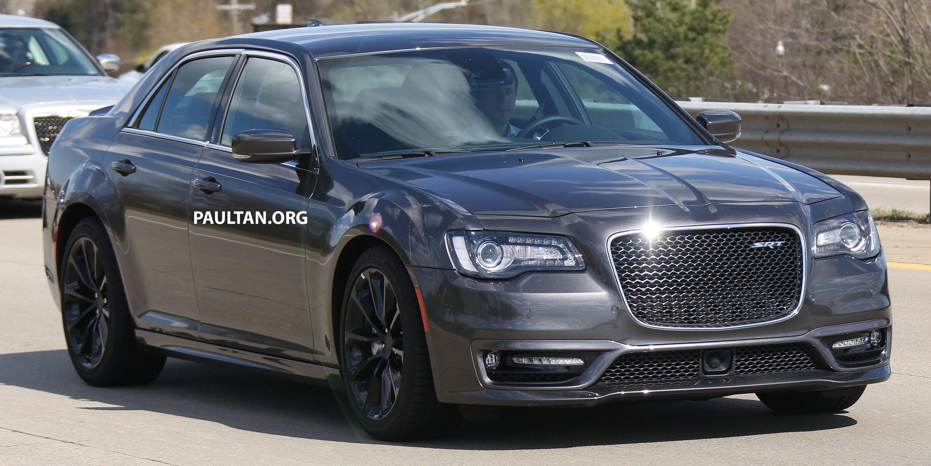 spyshots 2016 chrysler 300 srt spotted in motown. Black Bedroom Furniture Sets. Home Design Ideas
