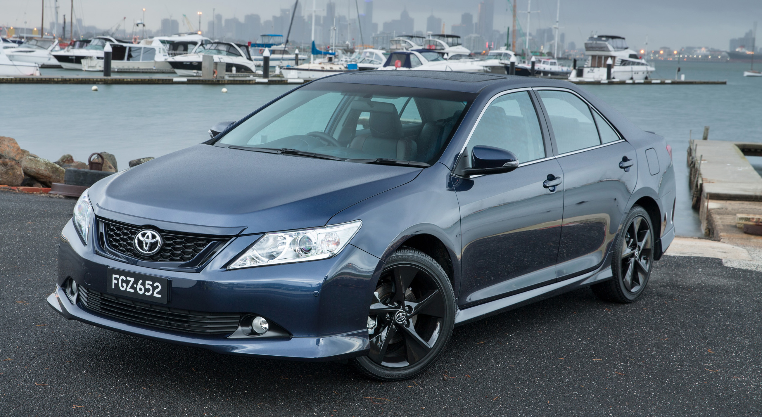 2015 Toyota Aurion facelift revealed in Australia Paul Tan ...