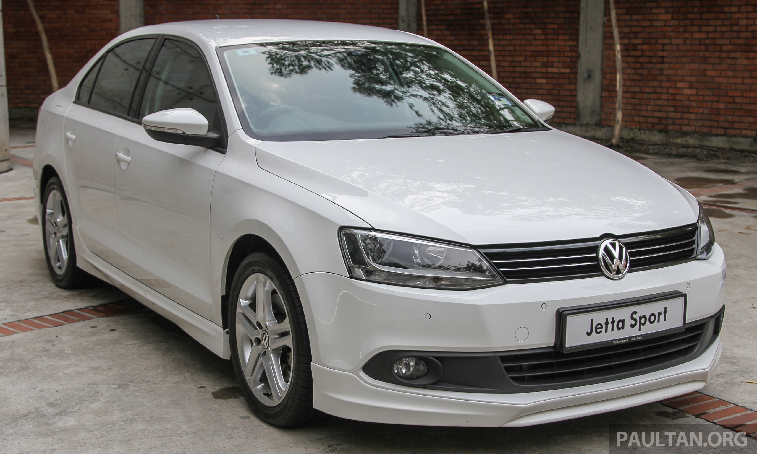 volkswagen jetta club sport edition launched  units