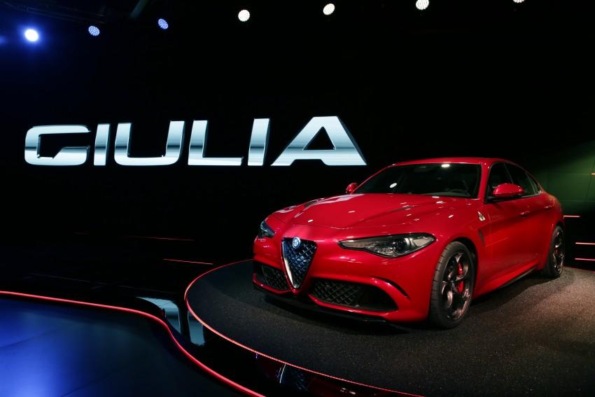 Alfa Romeo Giulia unveiled – RWD with up to 510 hp Image #354038