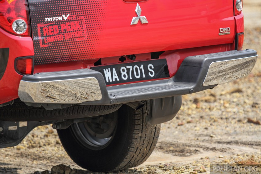GALLERY: New and old Mitsubishi Triton, side-by-side Image #346686
