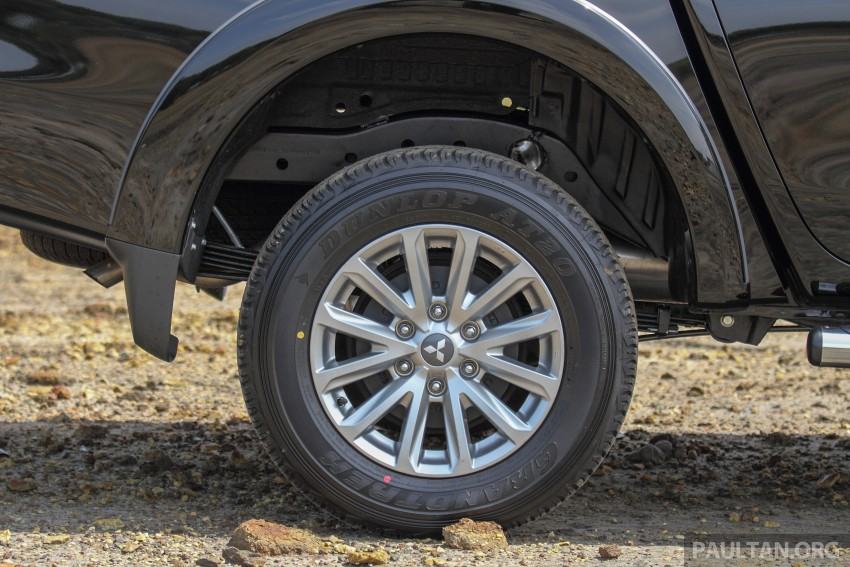 GALLERY: New and old Mitsubishi Triton, side-by-side Image #346622