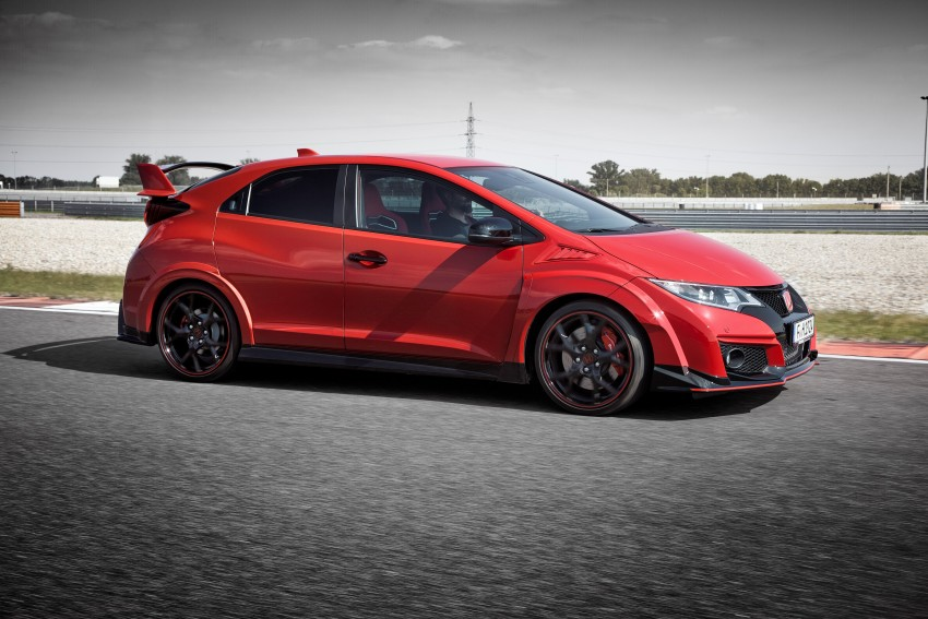 2015 Honda Civic Type R detailed for the Euro market Image #345845