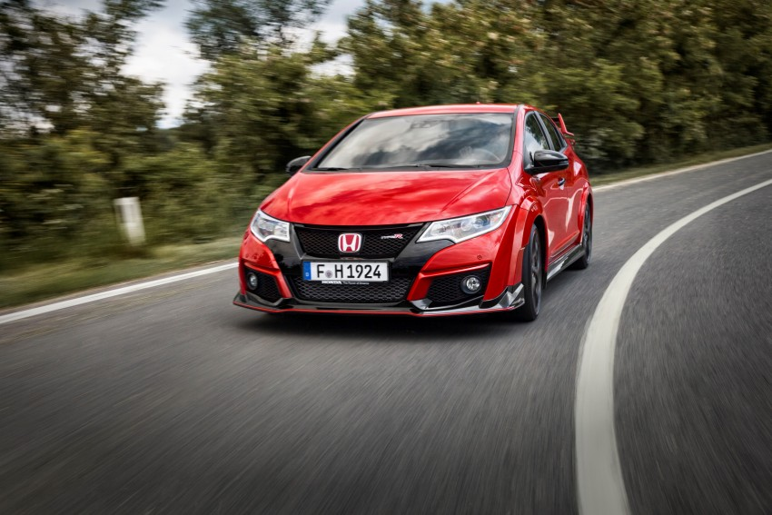 2015 Honda Civic Type R detailed for the Euro market Image #345857