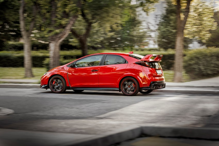 2015 Honda Civic Type R detailed for the Euro market Image #345835