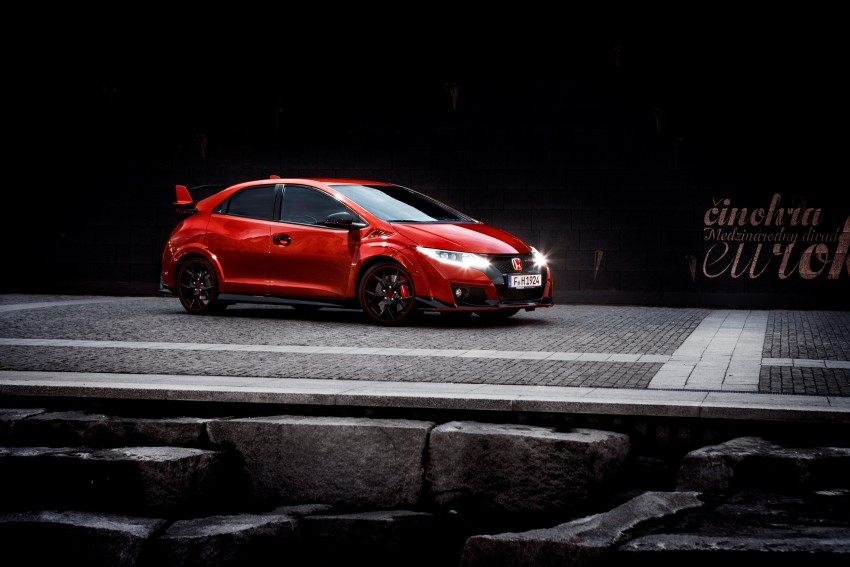 2015 Honda Civic Type R detailed for the Euro market Image #345839