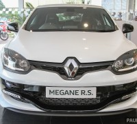 2015_Renault_Megane_RS_265_Cup_facelift_Malaysia_ 001