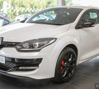 2015_Renault_Megane_RS_265_Cup_facelift_Malaysia_ 002