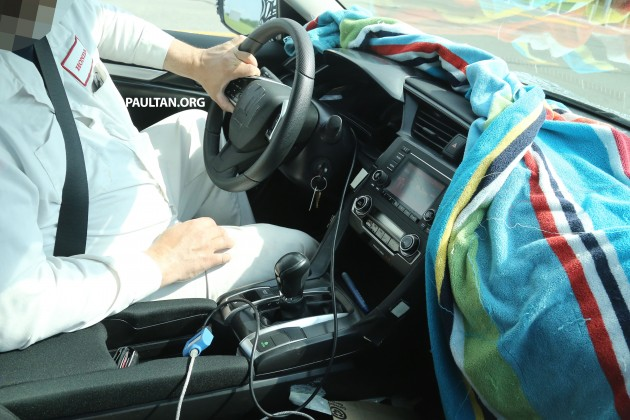 HondaCivic.int02