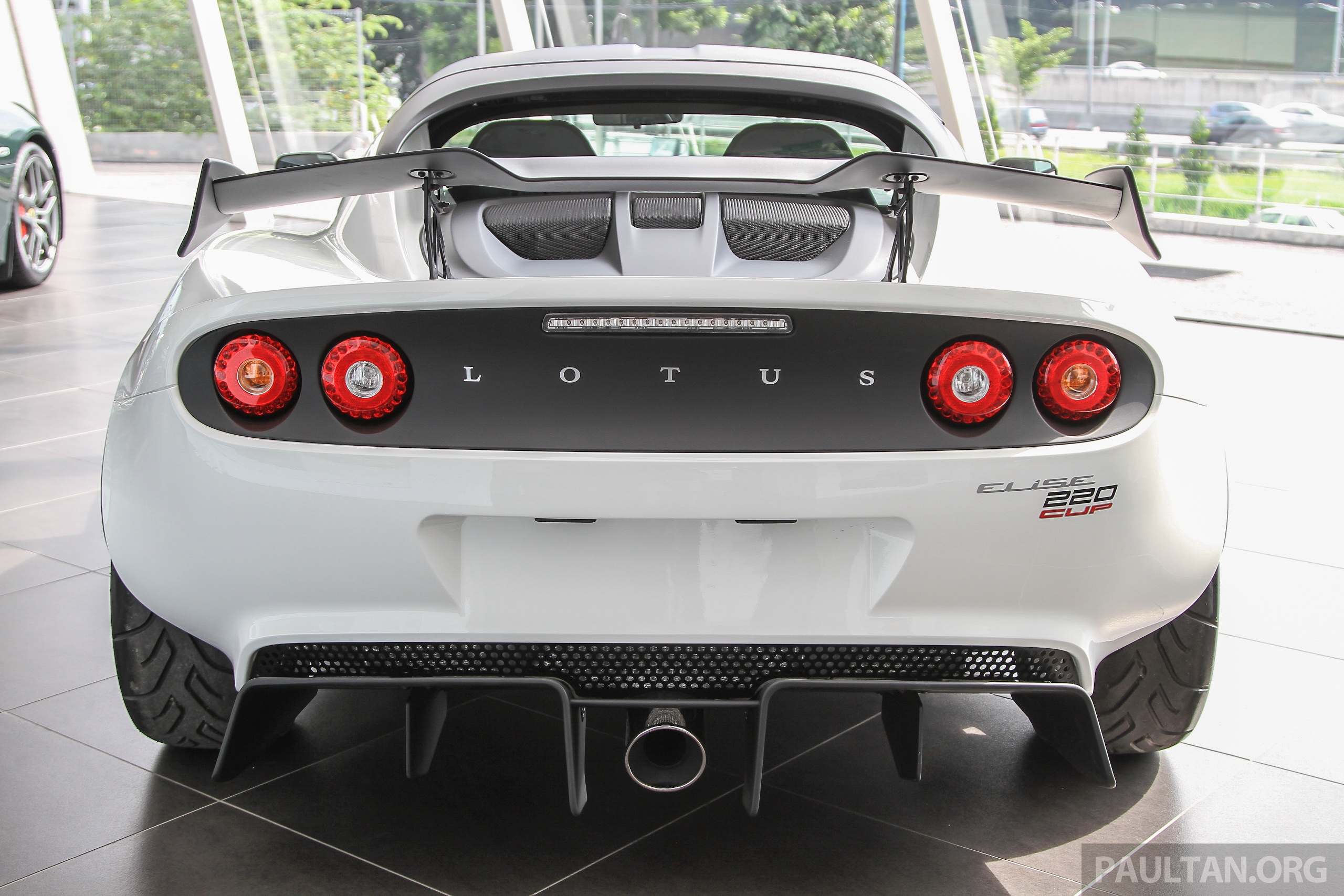 lotus elise 220 cup now in malaysia from rm316k. Black Bedroom Furniture Sets. Home Design Ideas