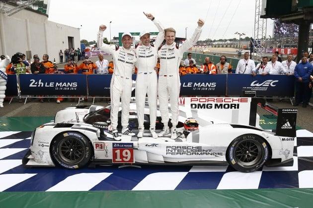 Porsche 919 Hybrid (19), Porsche Team: Nick Tandy, Earl Bamber, Nico Huelkenberg (l-r)