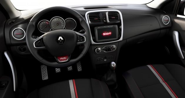 Renault-Sandero-RS-0004
