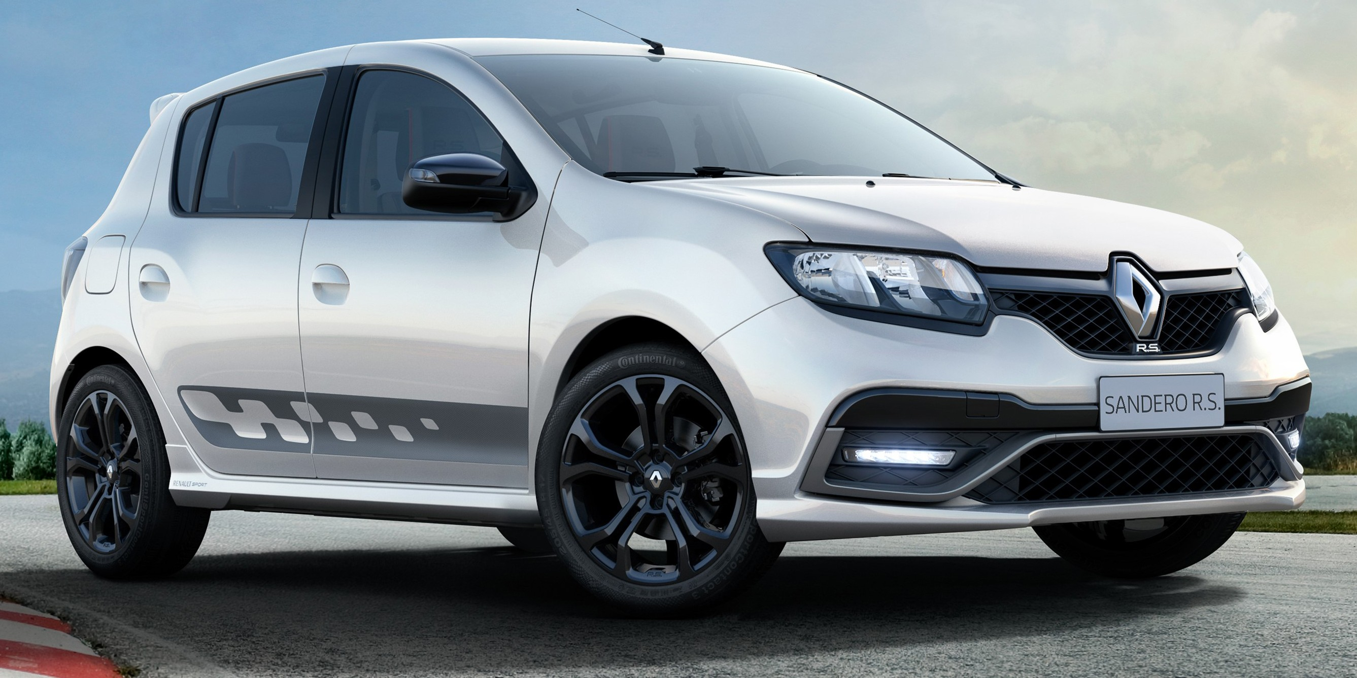 Renault Sandero RS 2.0 – first RS built outside Europe ...