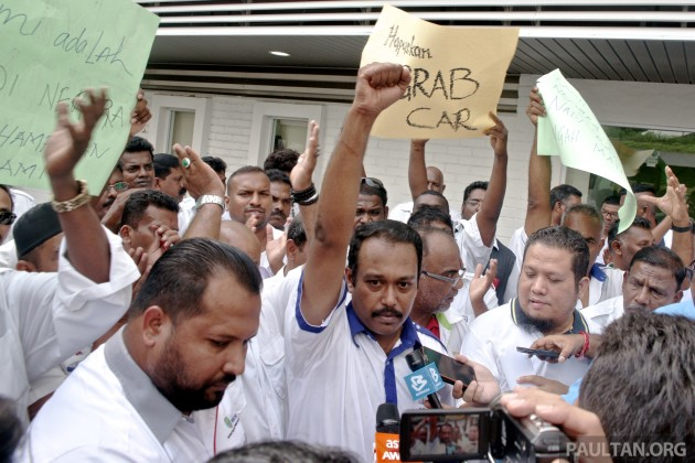 Taxi Drivers Protest Against GrabCar 2
