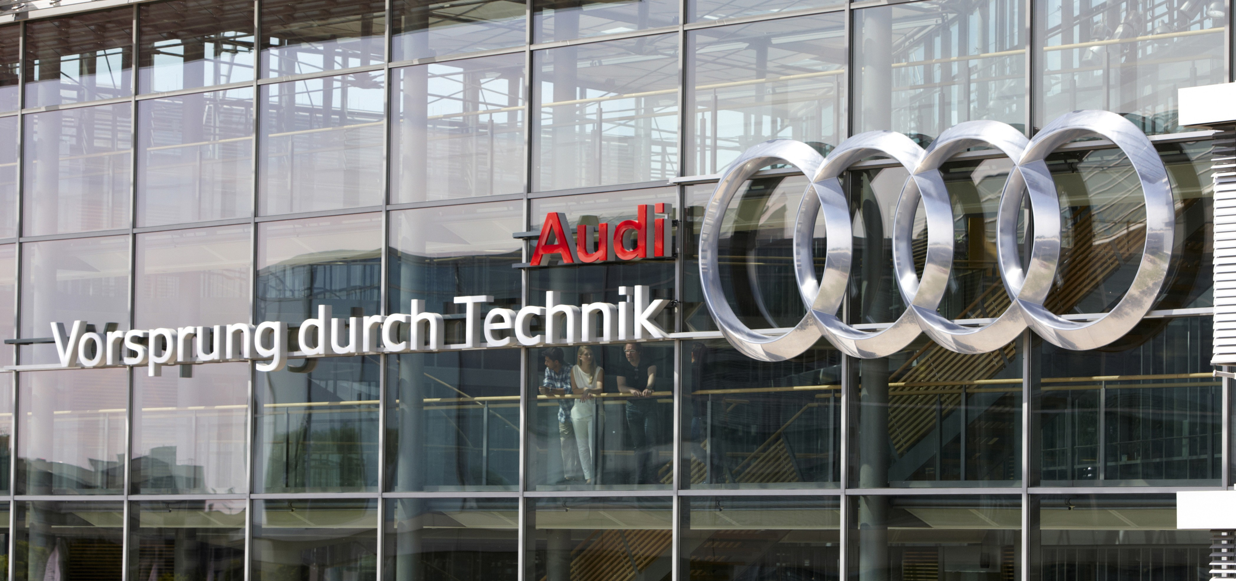 audi s engine chief quits amidst stiffening competition paul tan image 352084. Black Bedroom Furniture Sets. Home Design Ideas