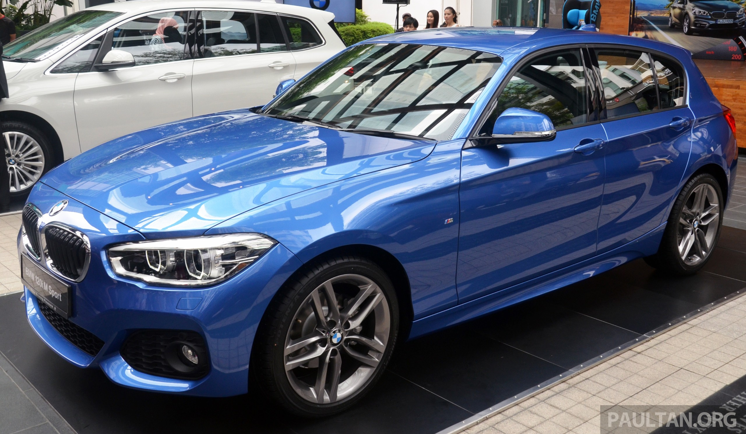 bmw 1 series facelift launched 120i m sport ckd rm220k. Black Bedroom Furniture Sets. Home Design Ideas