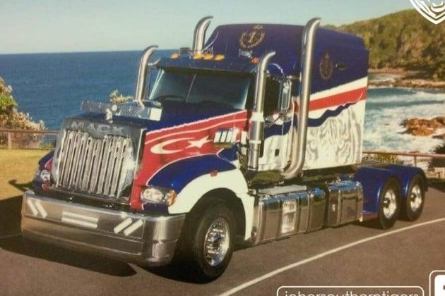 johor-mack-truck-0005