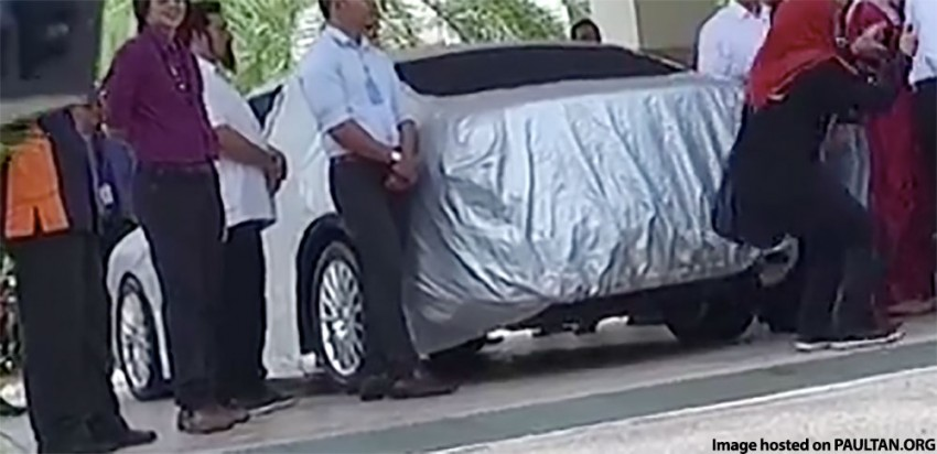 Taped-up big sedan with Tun M – new Proton Perdana? Image #351902