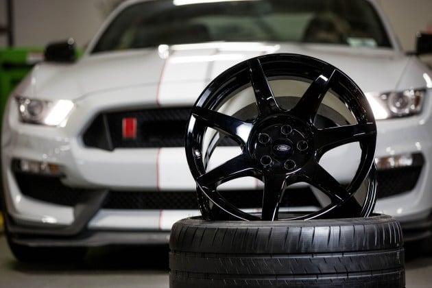 Mustang Shelby GT350R CF wheel