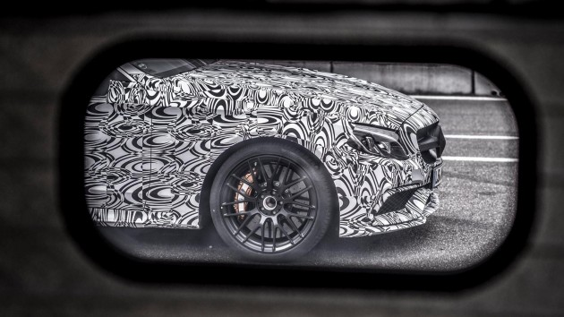 c63-amg-coupe-teaser-0001