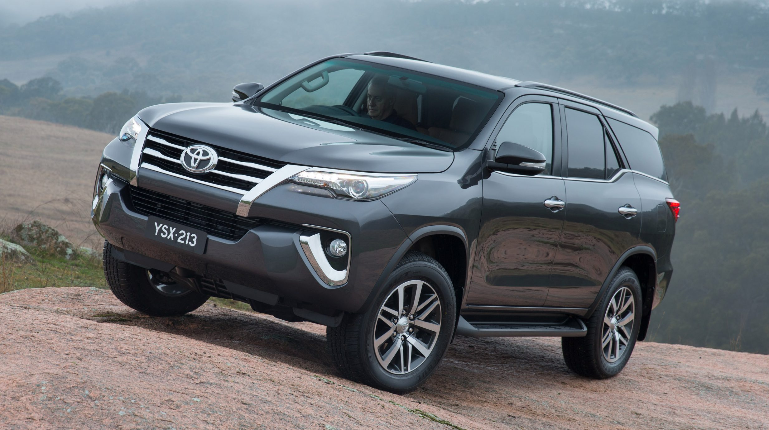 All New Fortuner 2018 >> 2016 Toyota Fortuner debuts in Thailand, from RM133k Paul Tan - Image 359483
