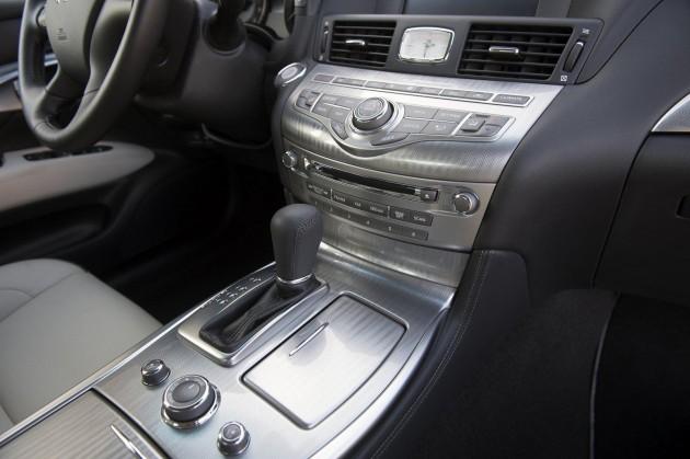 Infiniti Q70 Premium Select Edition 5