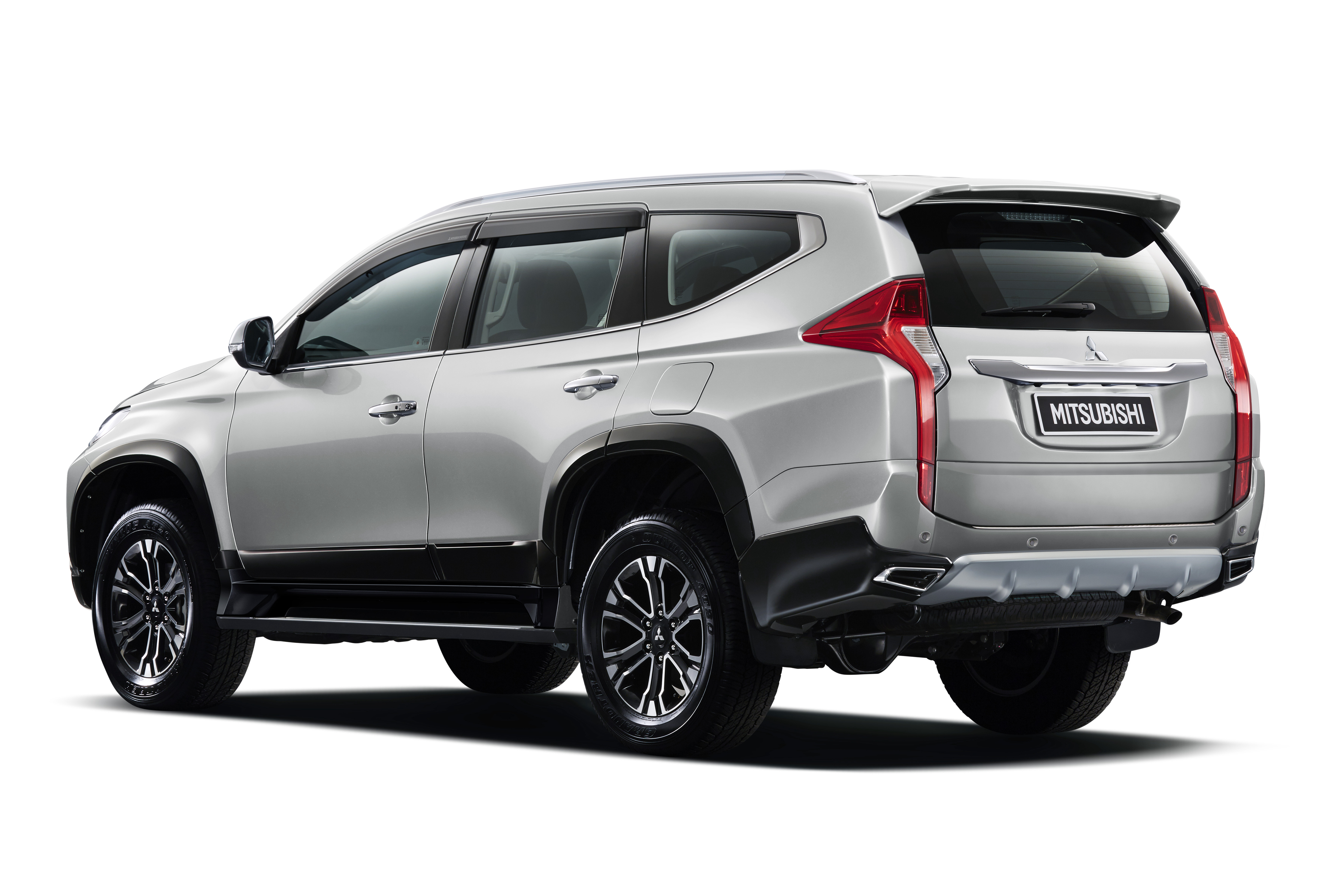 2018 Pajero Sport >> 2016 Mitsubishi Pajero Sport – new Triton-based ladder frame SUV makes global debut in Thailand ...