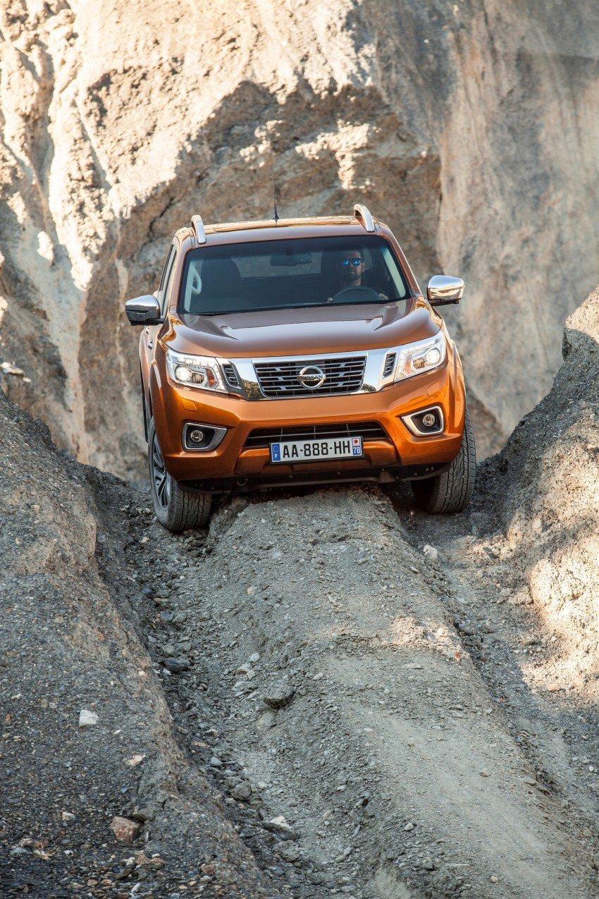 GALLERY: Nissan Navara NP300 sets foot in Europe Image #370498