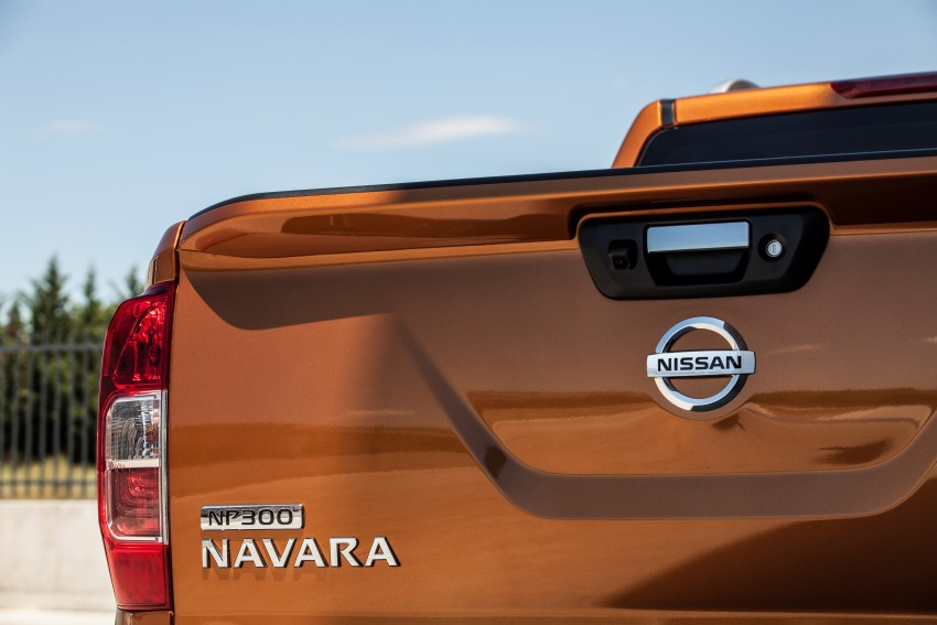 GALLERY: Nissan Navara NP300 sets foot in Europe Image #370510