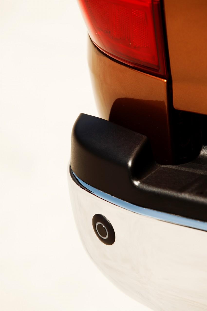 GALLERY: Nissan Navara NP300 sets foot in Europe Image #370512
