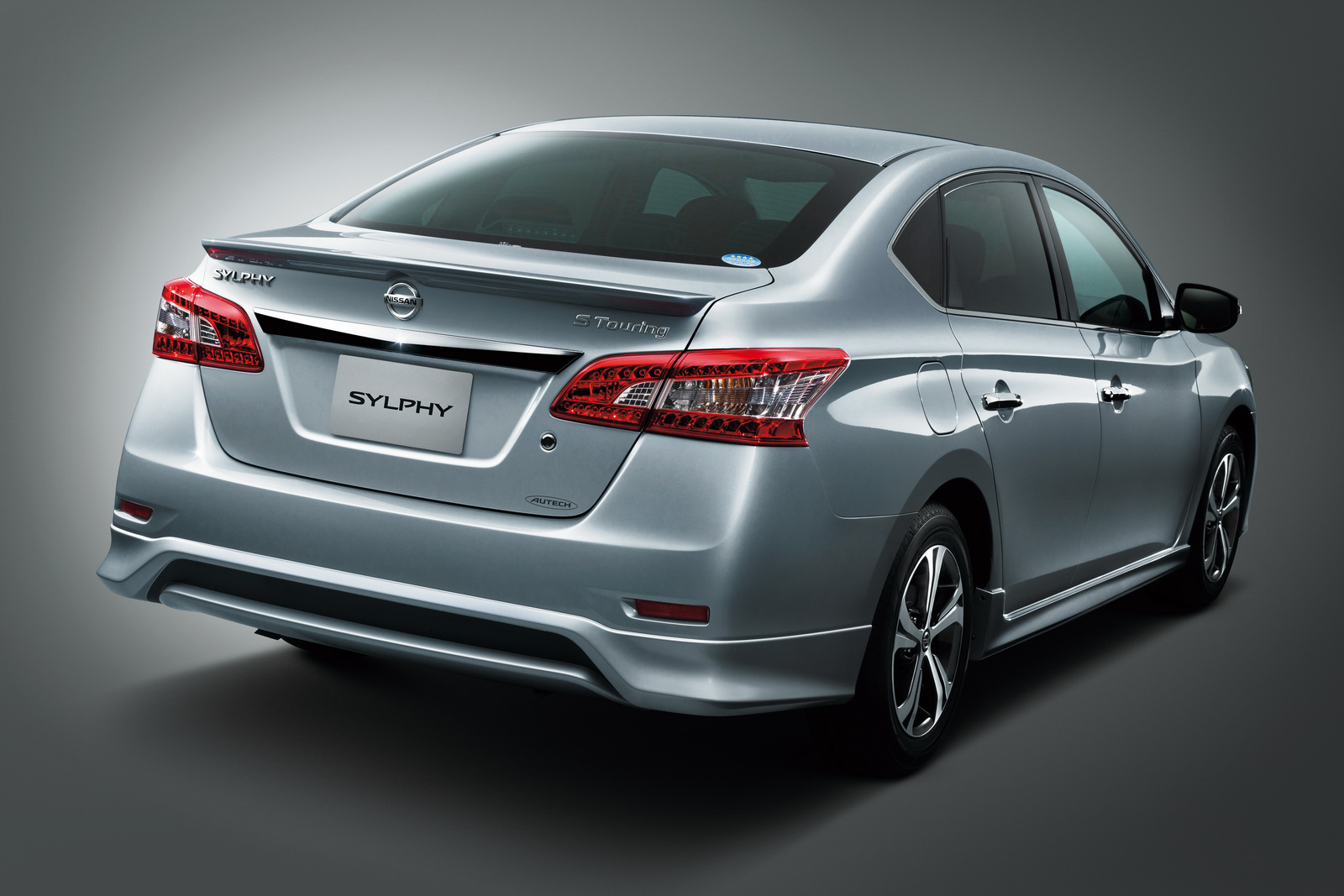 2018 Nissan Sylphy >> Nissan Sylphy S Touring Edition unveiled in Japan Paul Tan - Image 372148