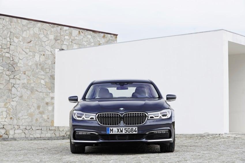 MEGA GALLERY: G11 BMW 7 Series in detail Image #372415