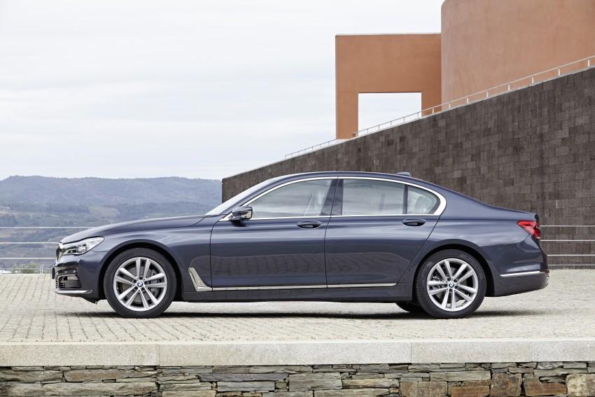 MEGA GALLERY: G11 BMW 7 Series in detail Image #372445