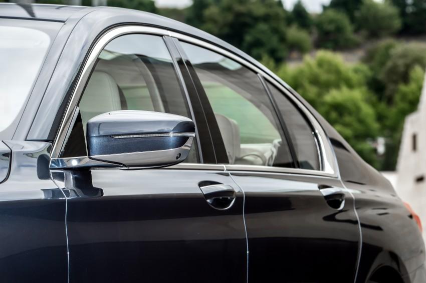 MEGA GALLERY: G11 BMW 7 Series in detail Image #372464