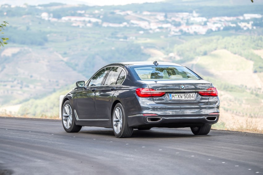 MEGA GALLERY: G11 BMW 7 Series in detail Image #372467