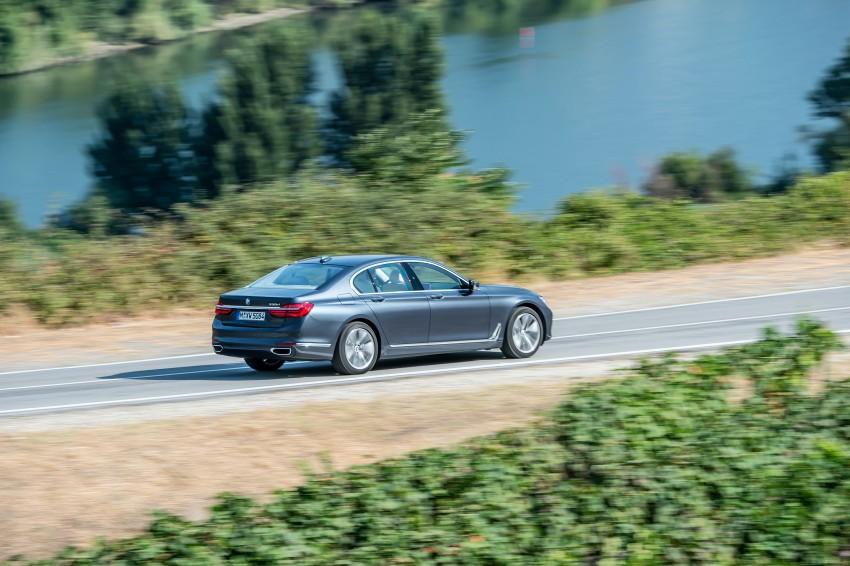 MEGA GALLERY: G11 BMW 7 Series in detail Image #372489